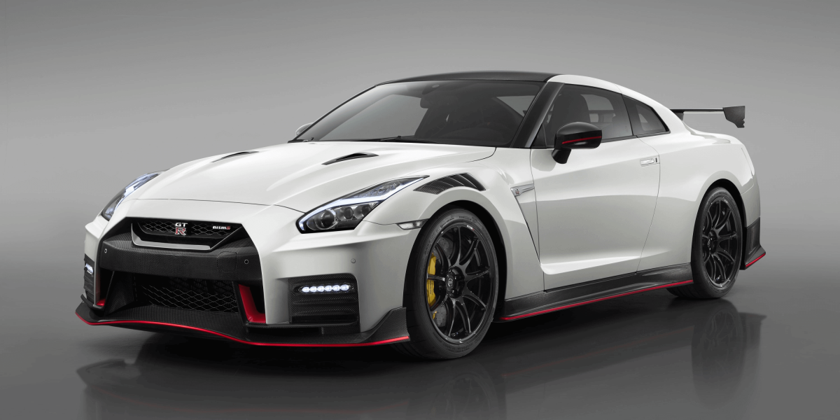 GT-R NISMO 3/4 FRONT - CUTS LIKE A KNIFE