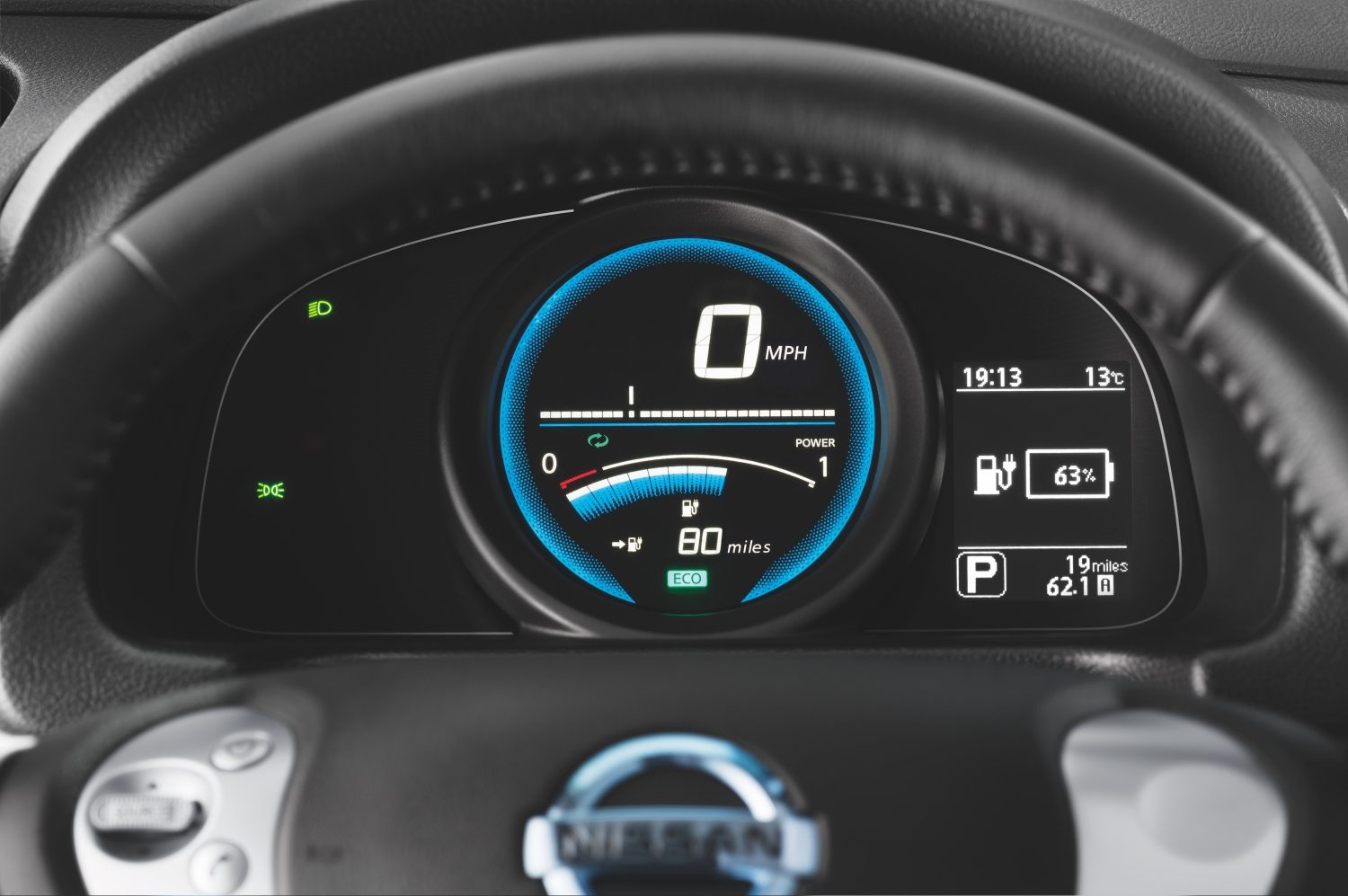 New Nissan e-NV200 Evalia dashboard