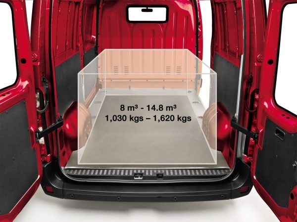 Nissan NV400 | Van storage space