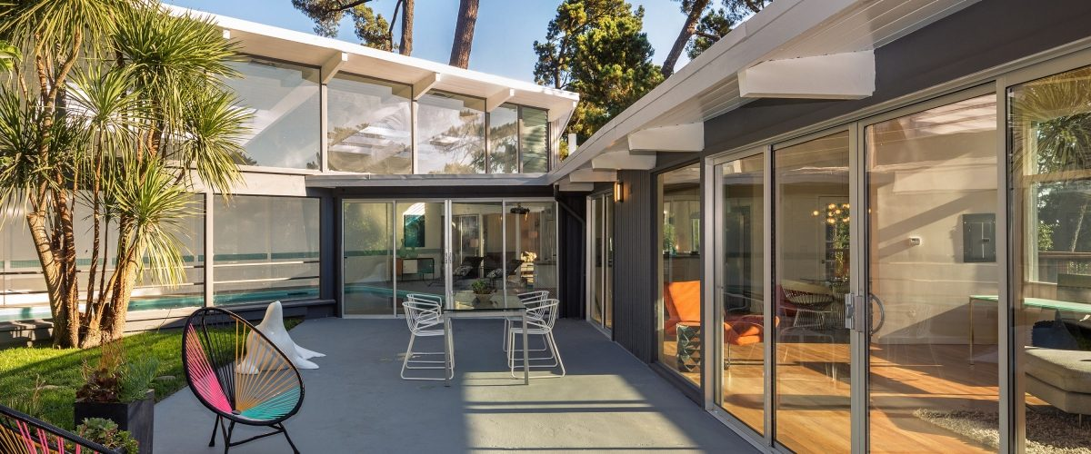 Mid-century modern house patio