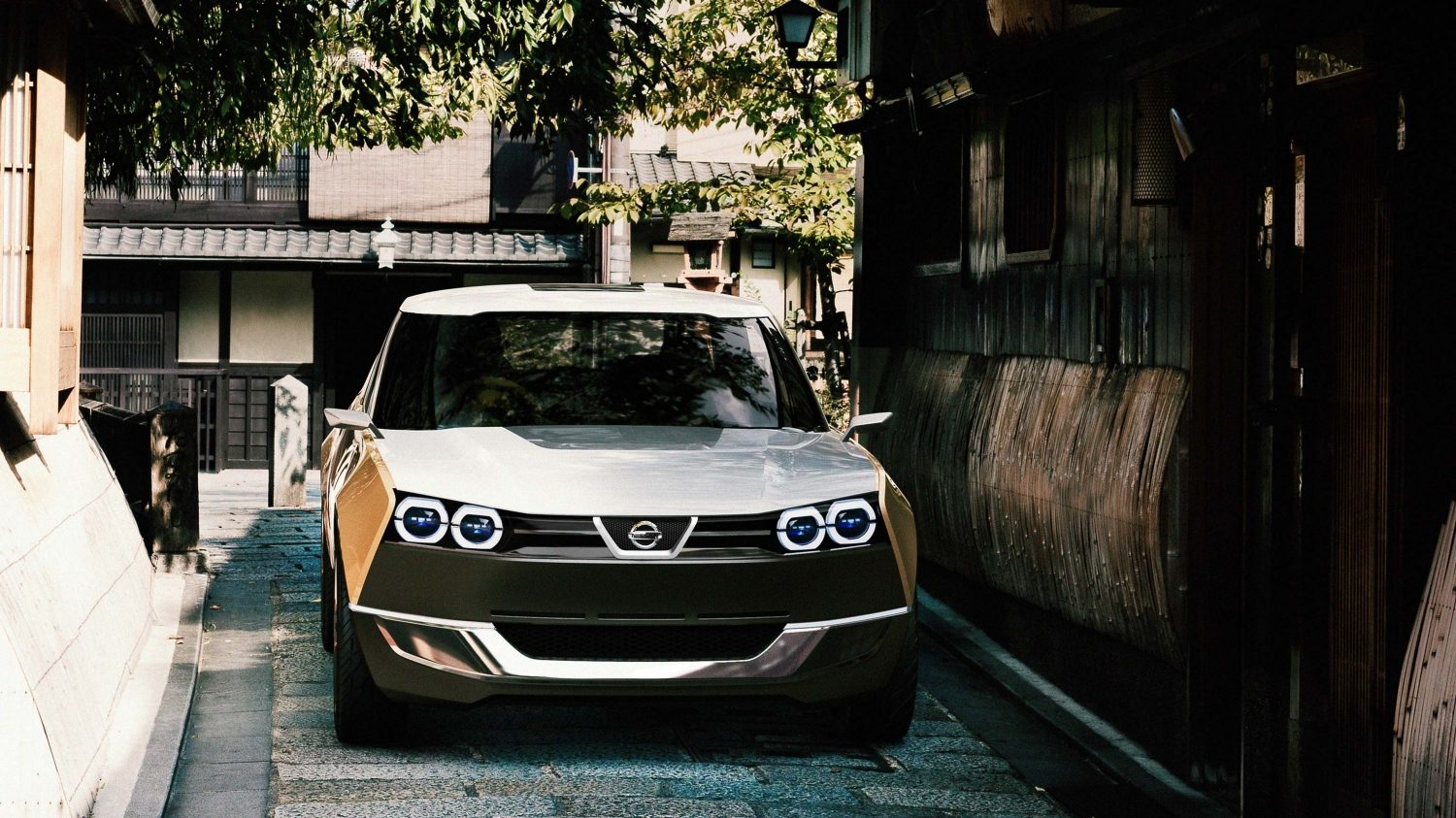 Nissan IDX Freeflow Concept straight front city street in Japan
