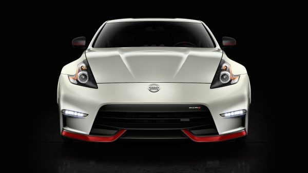 NISMO 370Z – Imagine frontală.