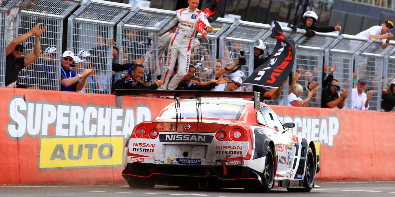 NISSAN GT-R NISMO GT3 gewinnt 2015 das 12-Stunden-Rennen von Bathurst