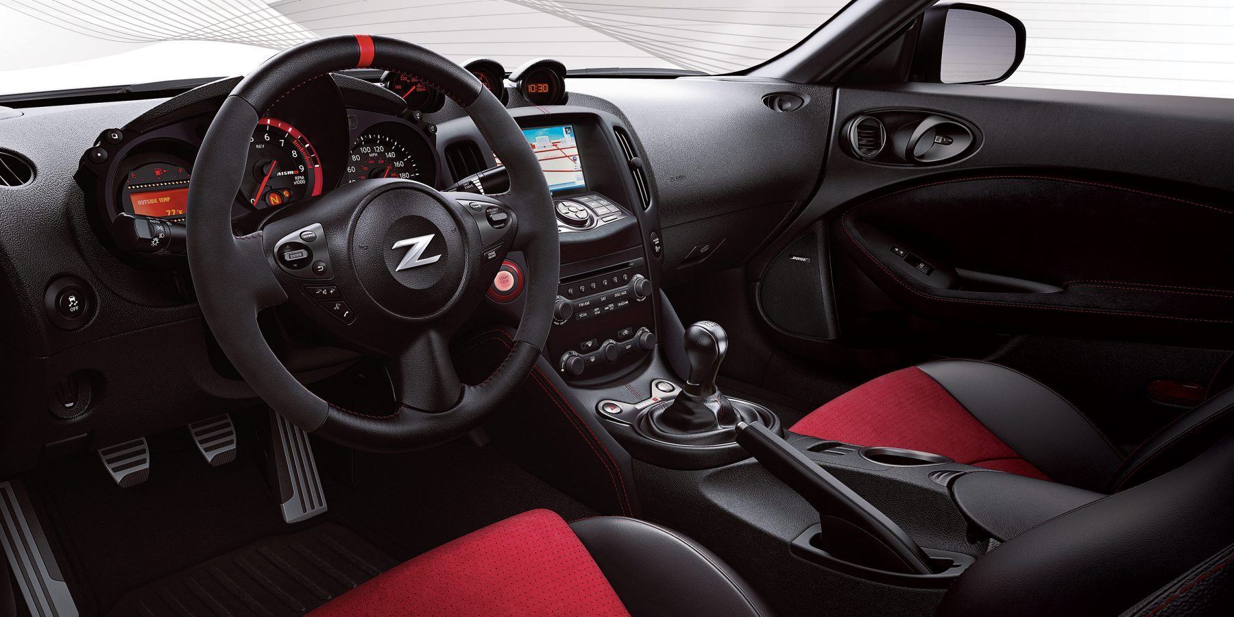 Nissan 370Z Nismo interior with Recaro seats