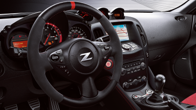 Nissan 370Z Coupe – הגה מצופה עור