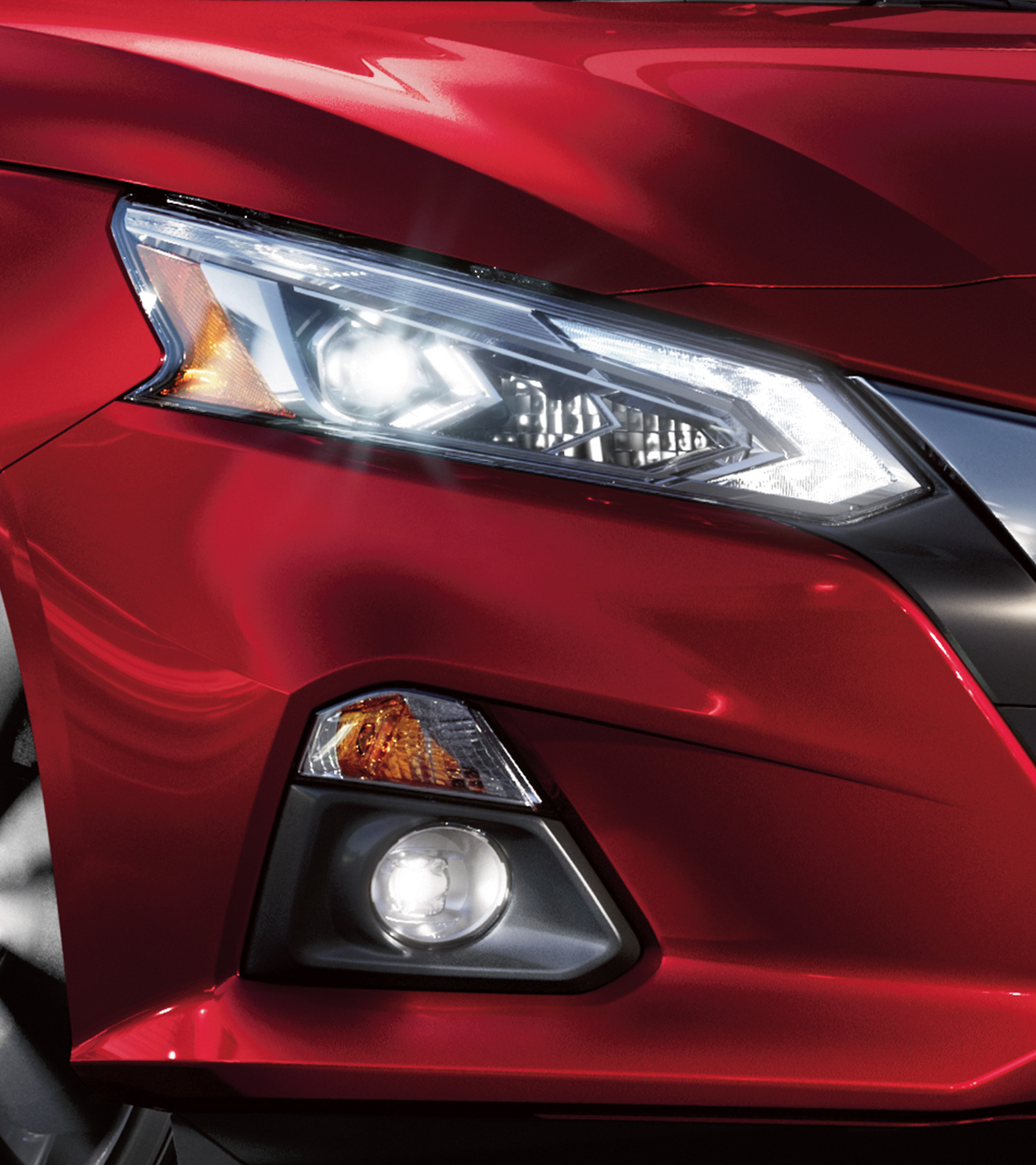 nissan Altima exterior headlamps