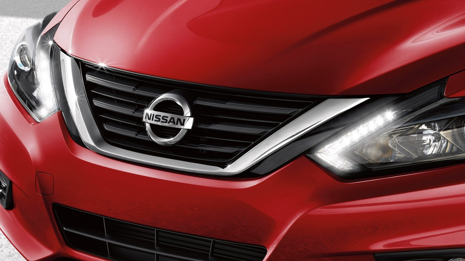 Nissan Altima grille