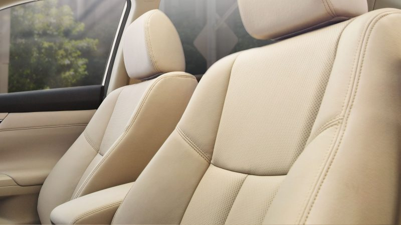 Nissan Altima seats