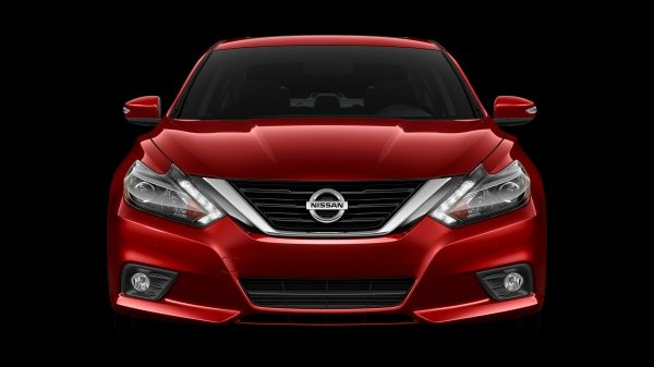Nissan Altima front view