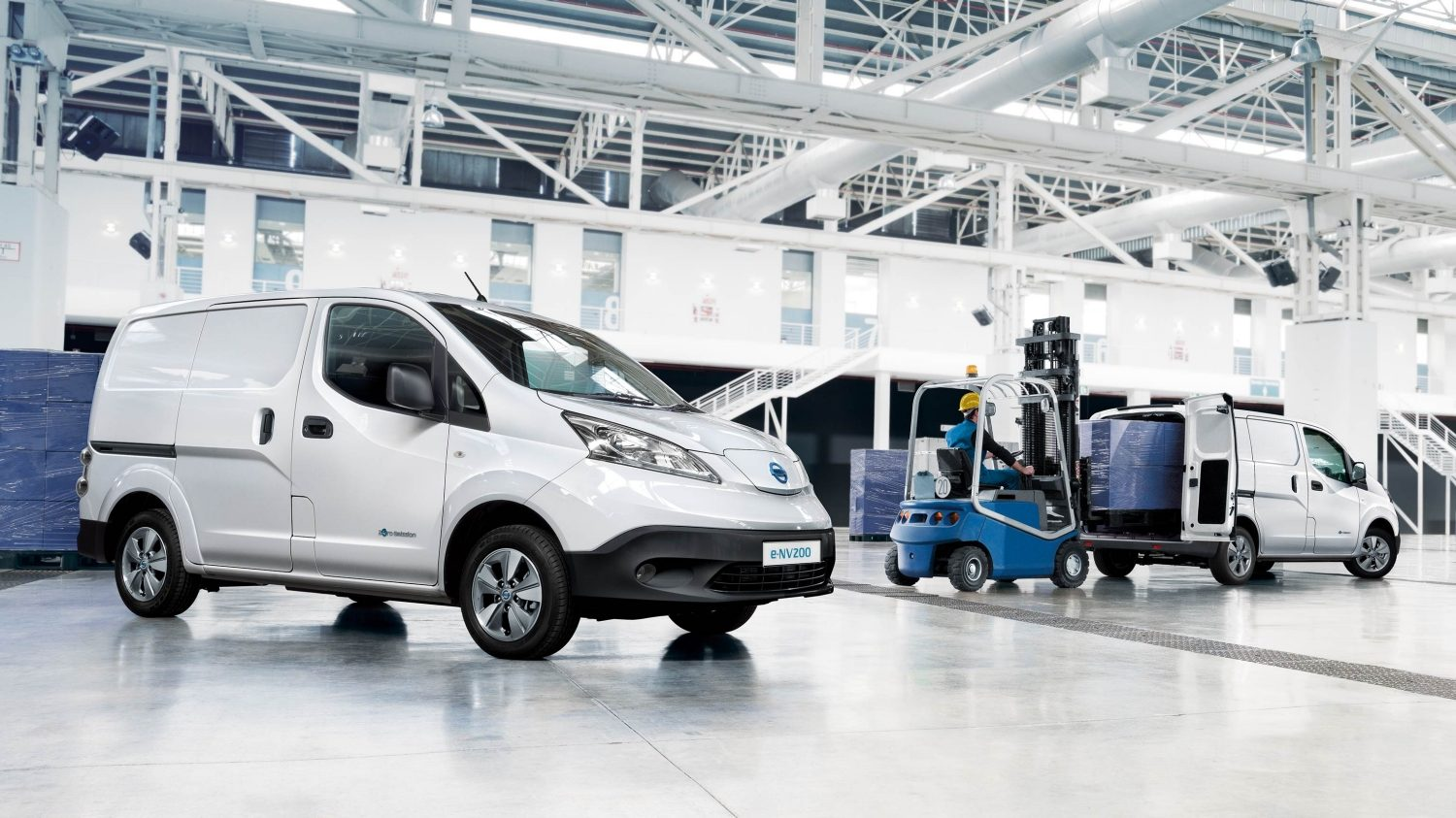 Nissan e-NV200 - 3/4 front passenger and 3/4 rear passenger with doors open