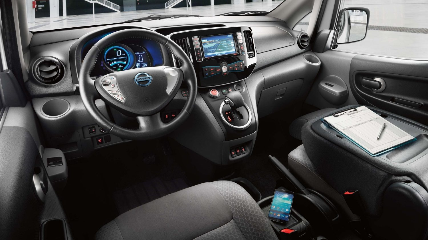 Nissan e-NV200 - Interior showing mobile office