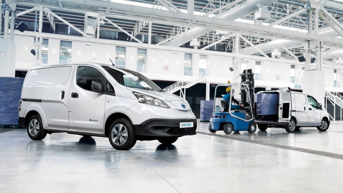 Nissan e-NV200 - 3/4 front drivers and 3/4 rear drivers