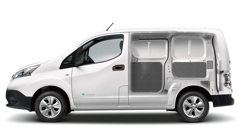 Nissan e-NV200 - Passenger side cut away showing interior space