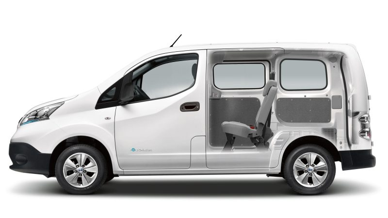 Nissan e-NV200 - Cutaway showing combi seating and cargo