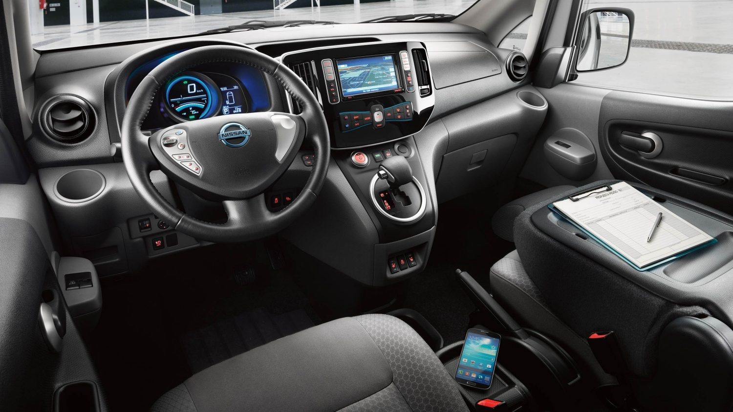 Nissan e-NV200 - Interior shot showing mobile office features