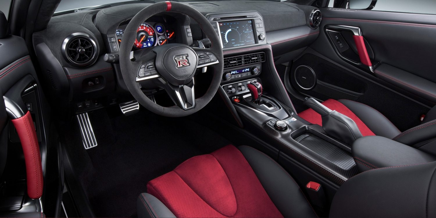 INTERIOR DO NISSAN GT-R NISMO