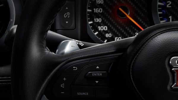 Nissan GT-R Steering wheel-mounted paddle shifter