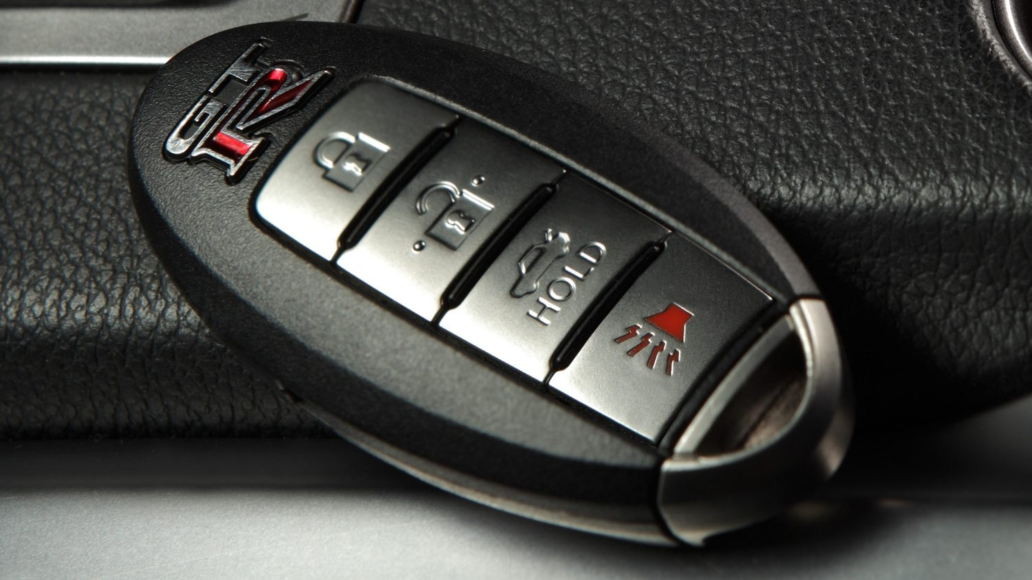 Nissan GT-R  Intelligent Key