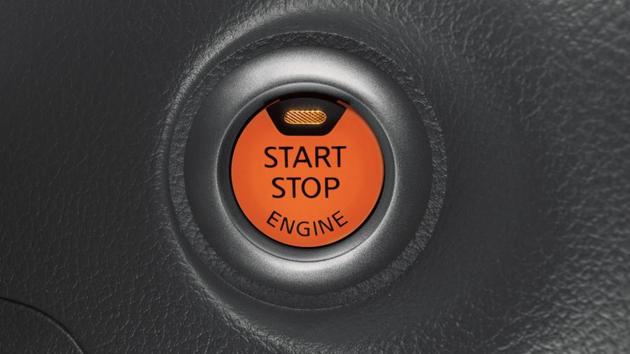 Nissan JUKE— кнопка запуска и остановки двигателя