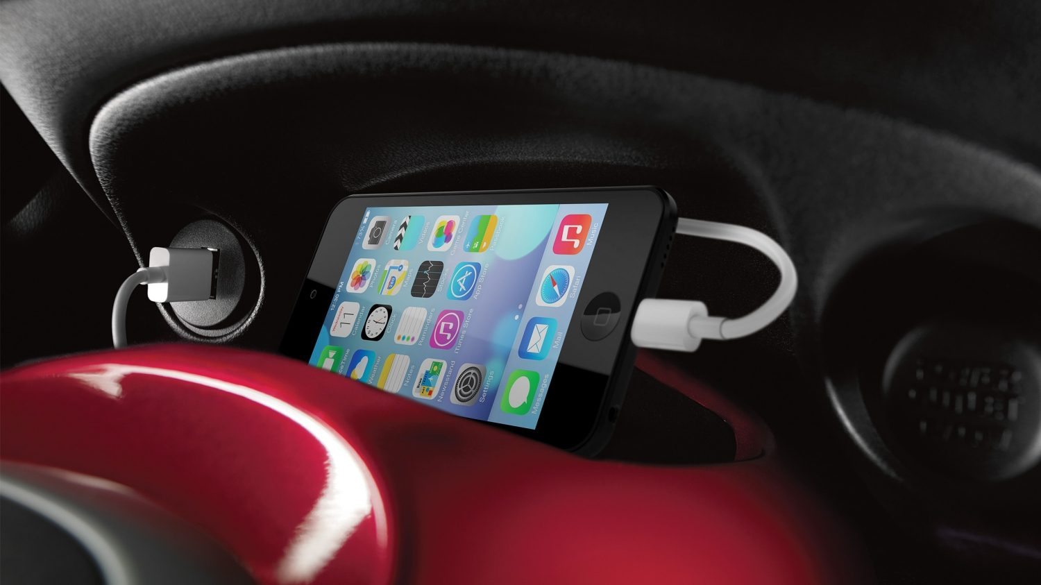 Compact & mini SUV features - USB port | Nissan Juke