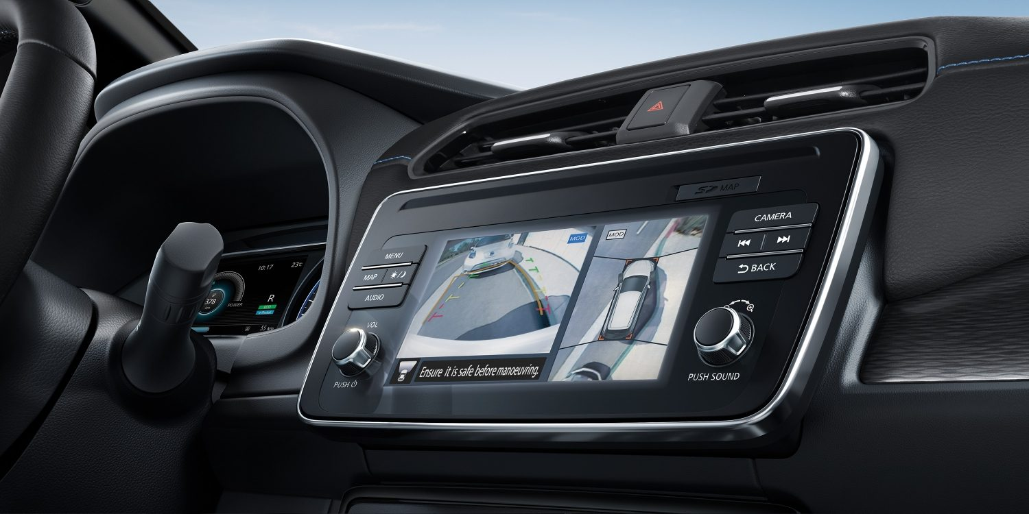 Nieuwe Nissan LEAF Intelligent Around View Monitor touchscreen