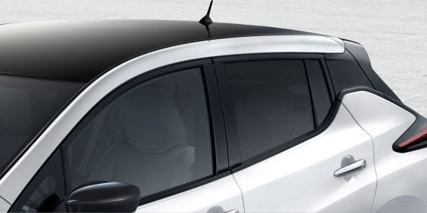 New Nissan LEAF floating roof design