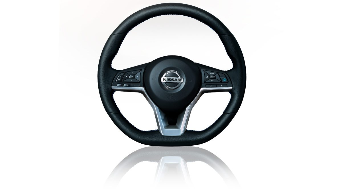 Nissan LEAF D-shaped steering wheel