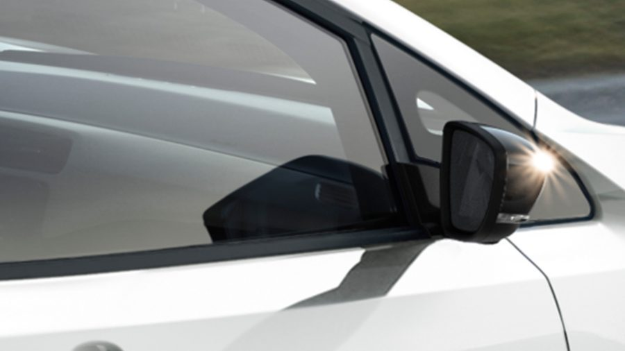 New Nissan LEAF wind-diffusing side mirrors