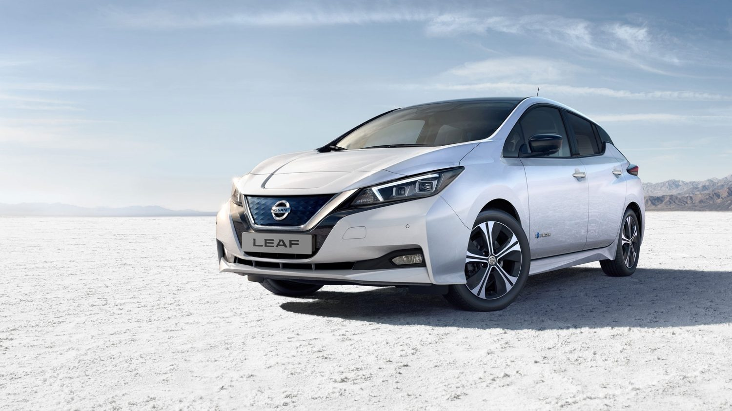 New Nissan LEAF in production in the factory