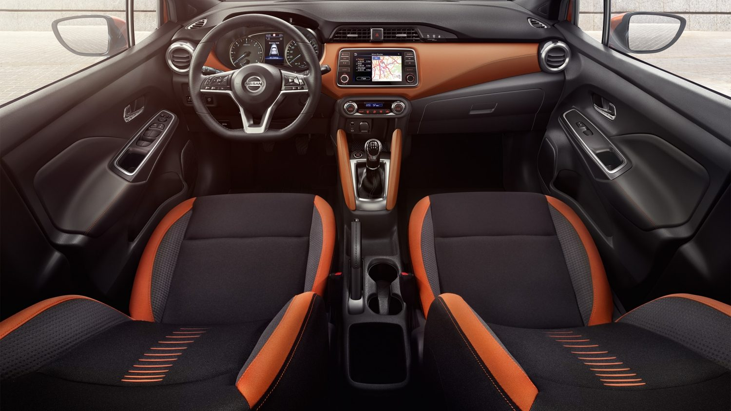 NISSAN MICRA Innenraum in Energy Orange