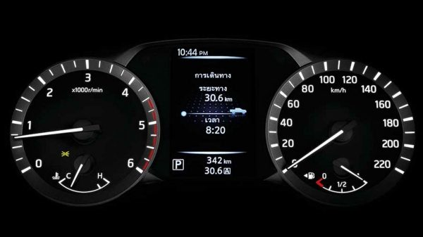Nissan Navara Drive-Assist Display and gauges