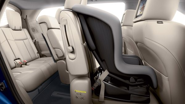 Nissan Pathfinder EZ Flex seating system with child seat in place