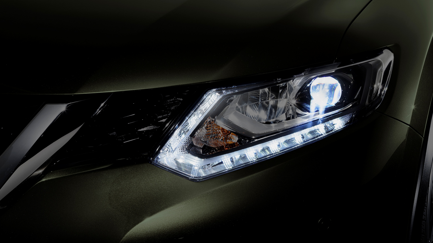 Nissan X-Trail - LED front light