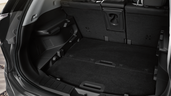 Crossover X-Trail - 7 seater car: Trunk system