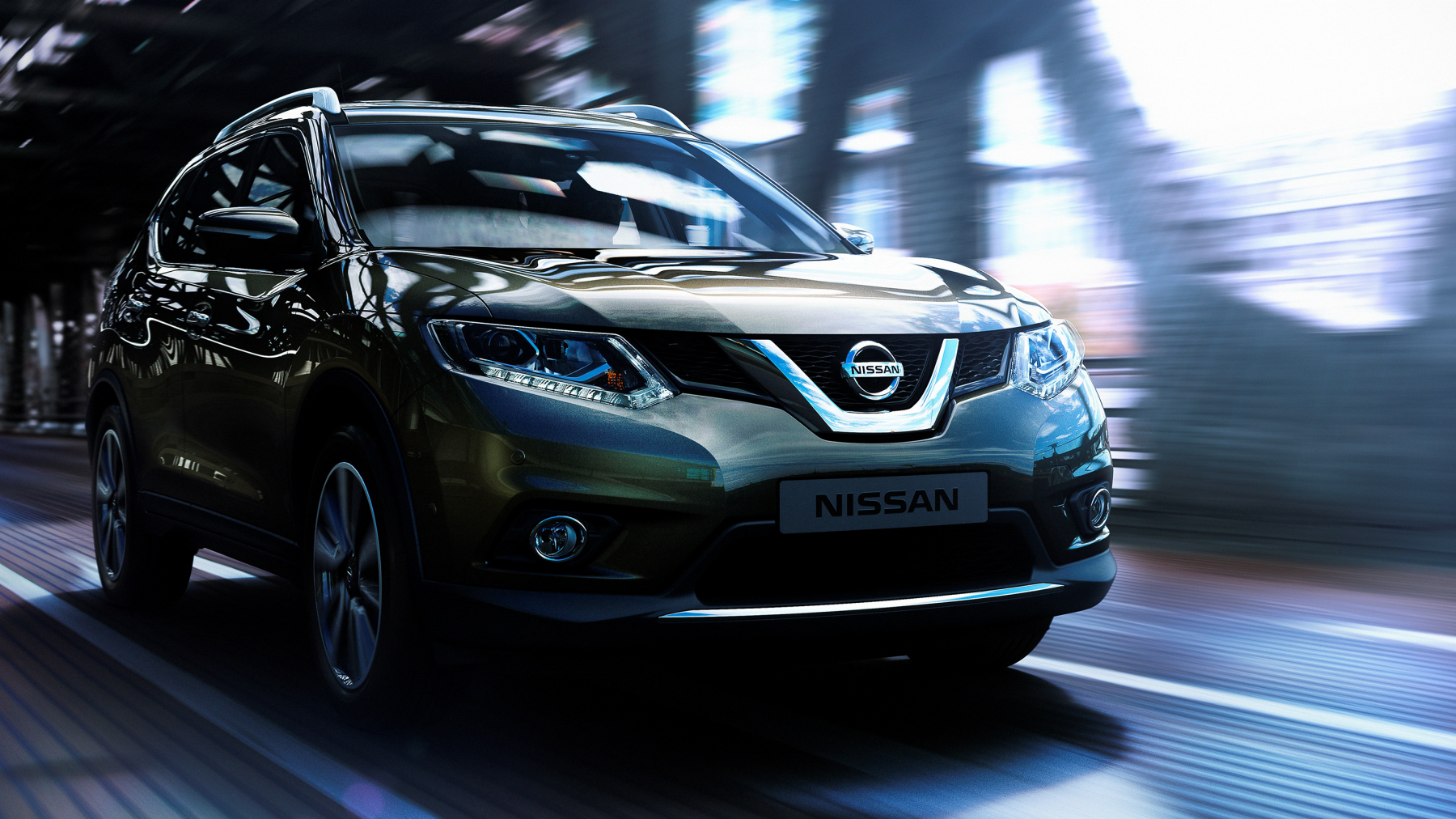 Nissan X-Trail - 3/4 front view