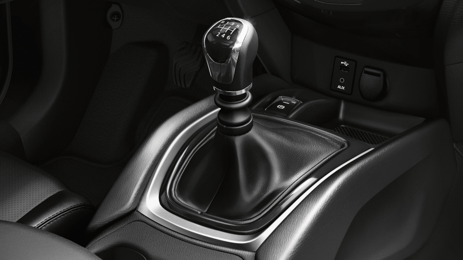 Nissan X-Trail - 6-speed manual transmission shifter