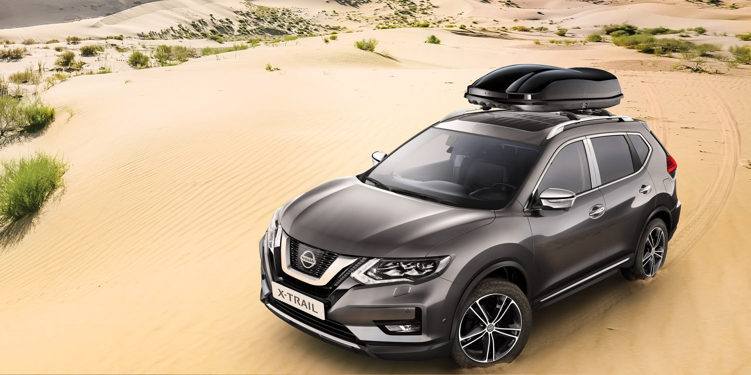 Nissan X-TRAIL met Premium chrome pack in de woestijn
