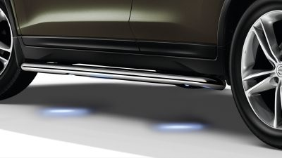 X-Trail side styling bar illuminated