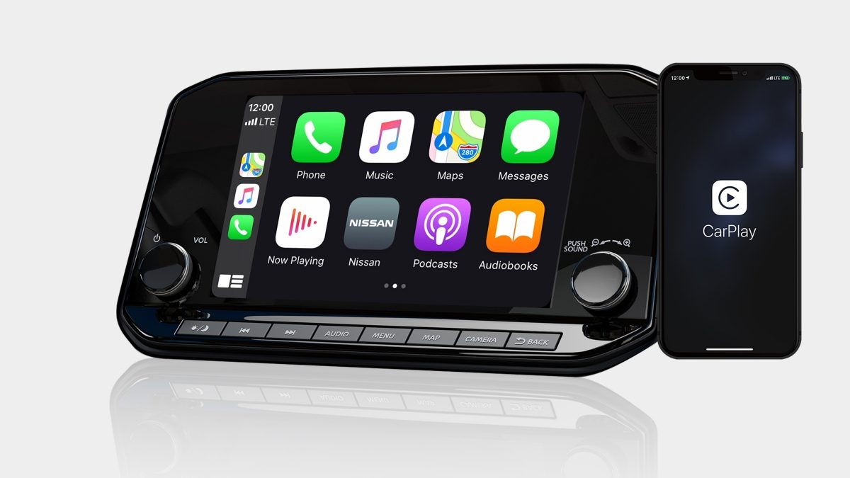 2021 Nissan X-Terra Wireless Apple CarPlay display with phone