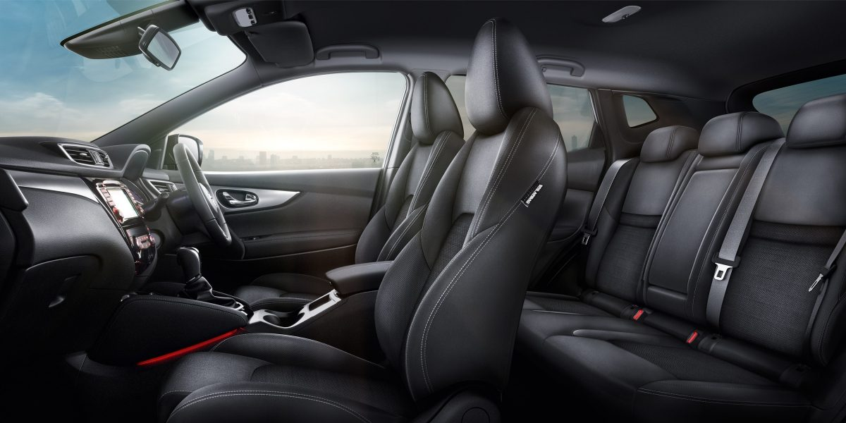 Qashqai Large interior - Black Cloth Trim
