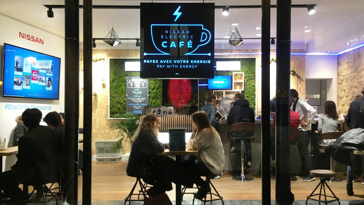 's Werelds eerste Pay with Energy Café