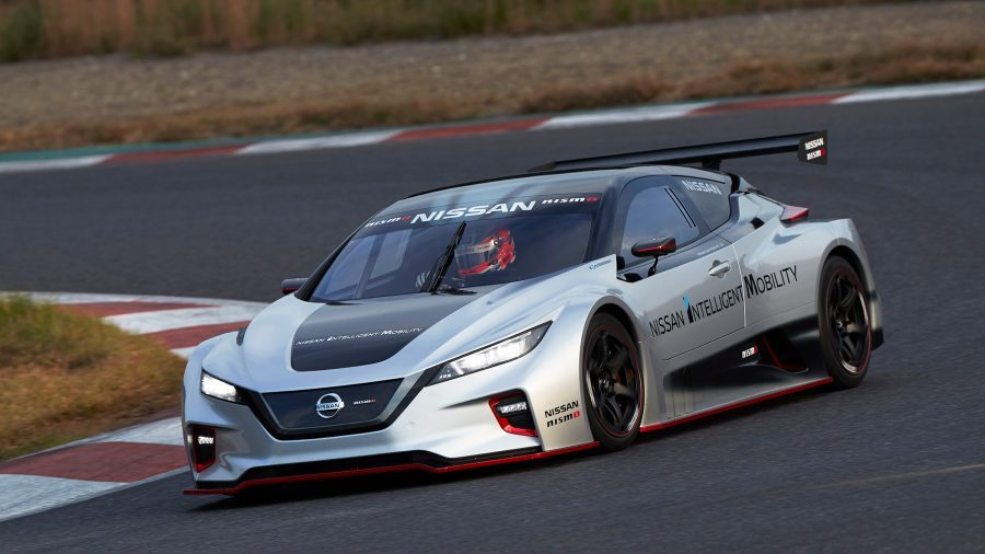 Nissan LEAF NISMO RC in pista