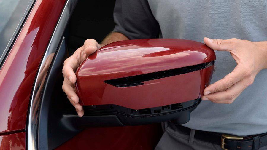 Nissan – Naprawy powypadkowe – Wymiana elementów lakierowanych