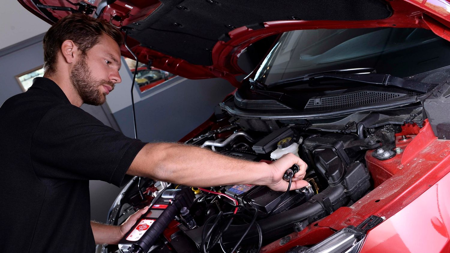 Nissan - Maintenance and repair - Batteries