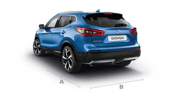 Nissan Qashqai 3/4 rear with lines showing dimensions