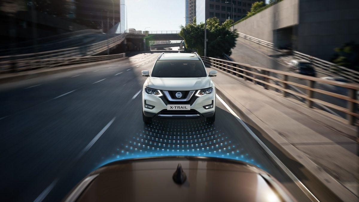 Nissan X-TRAIL intelligent emergency braking met voetgangersherkenning