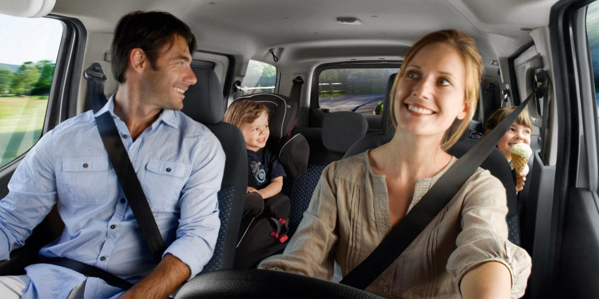 New Nissan e-NV200 Evalia interior view with a family in the car