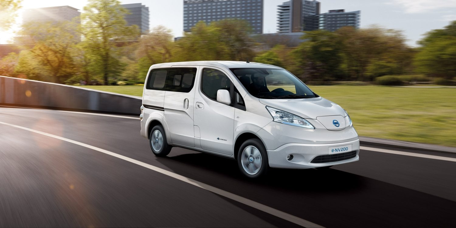 New Nissan e-NV200 Evalia driving in the city 3/4 front view