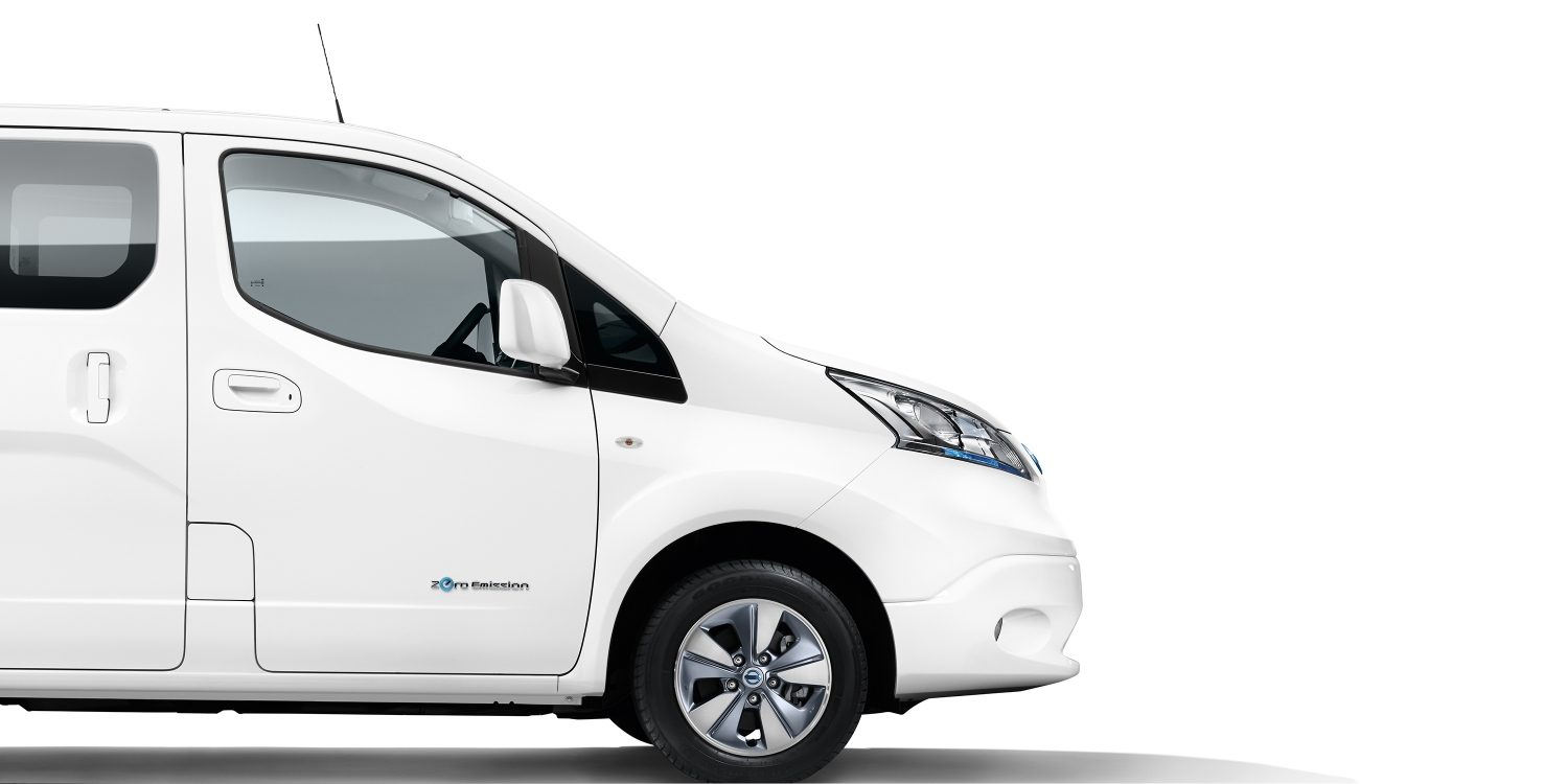 New Nissan e-NV200 Evalia profile with view on the front part of the car