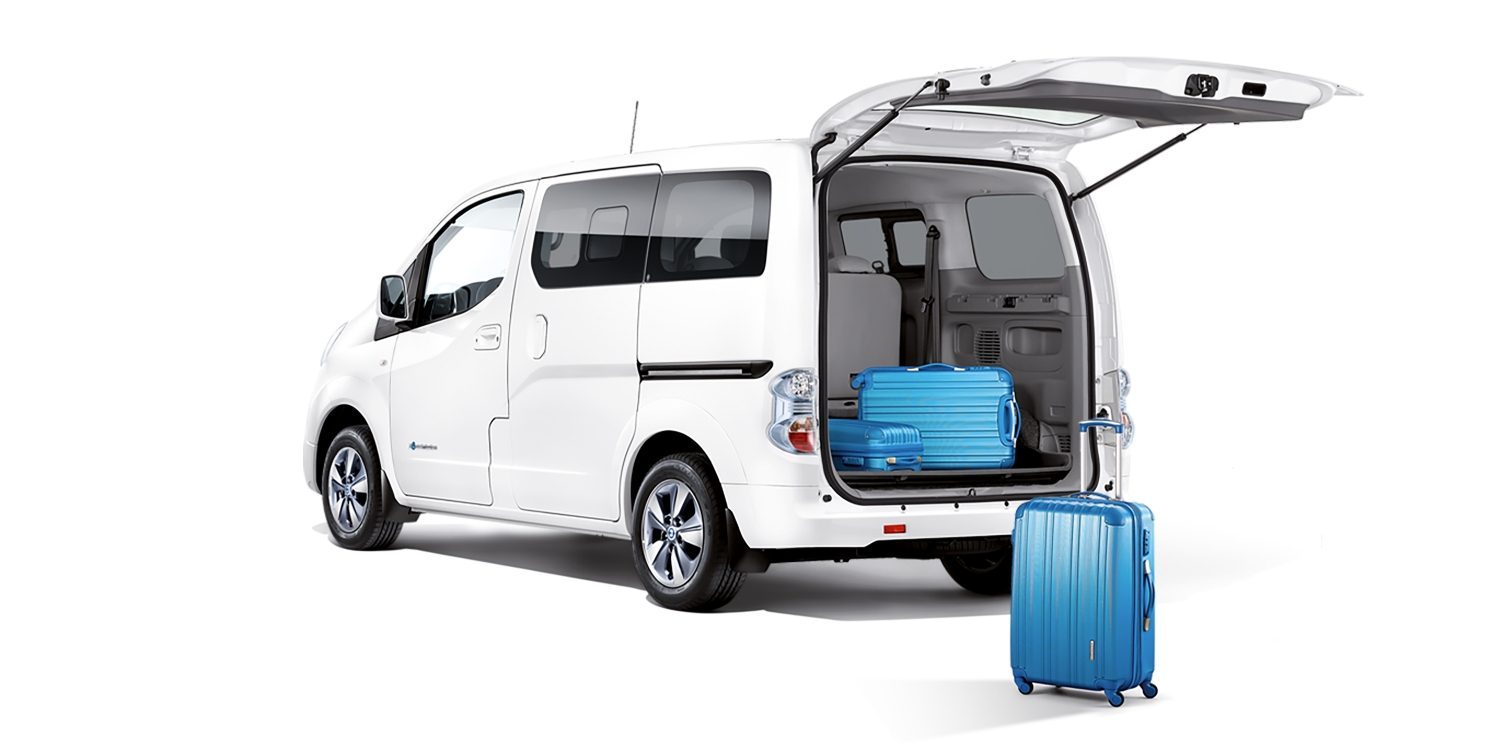 New Nissan e-NV200 3/4 rear with luggages in the cargo space